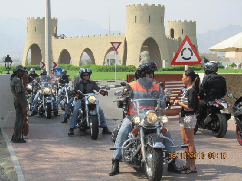 Enjoy Moto 9 day Tour in UAE